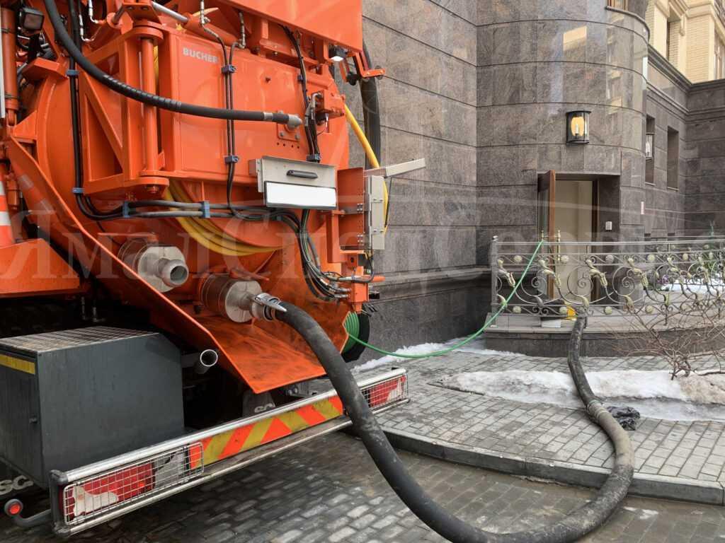 Устранение засоров канализации в Москве