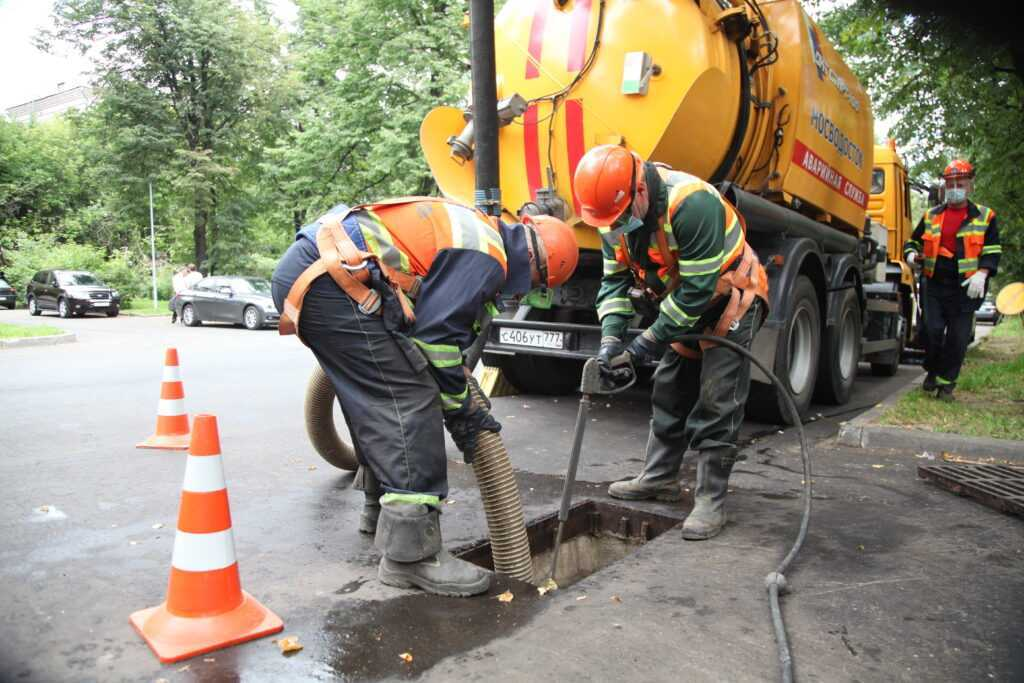 Чистка канализационных засоров